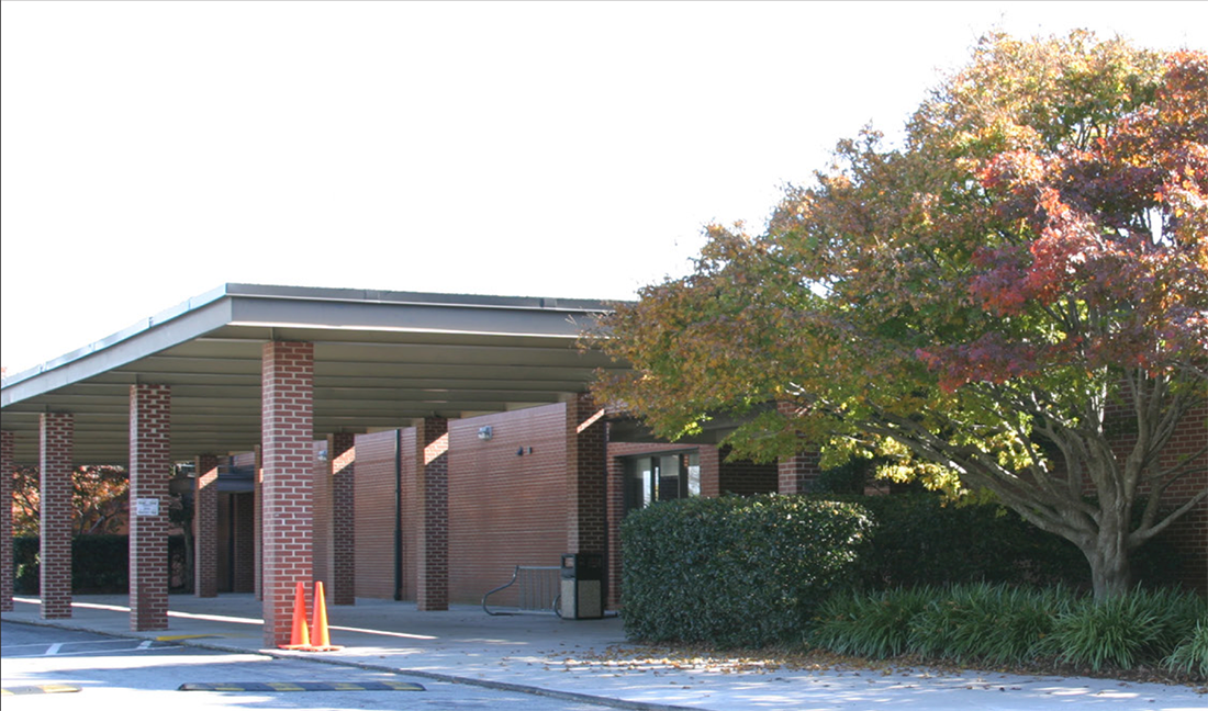 Lilburn middle school building front